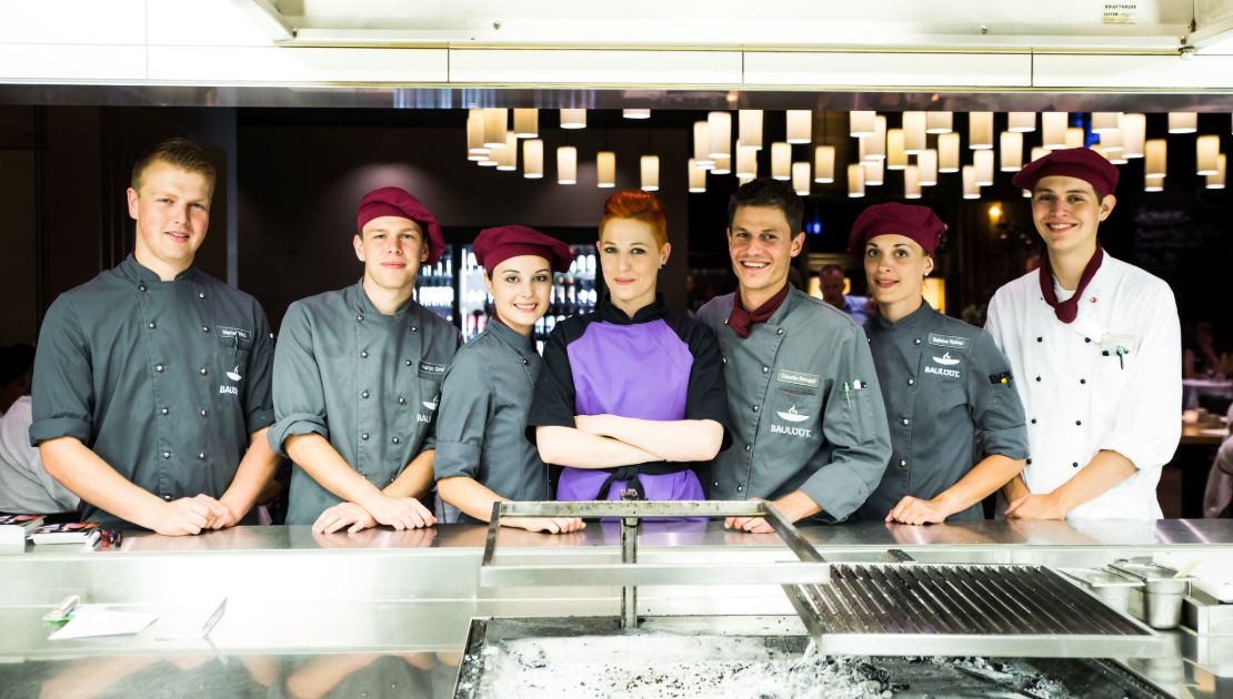 Baulüüt Crew mit Profi-Köchin Meta Hiltebrand