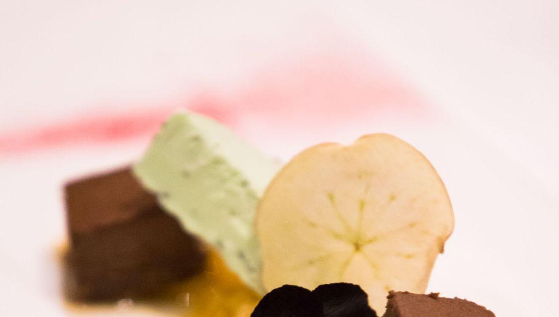 Detail Dessert im Baulüüt