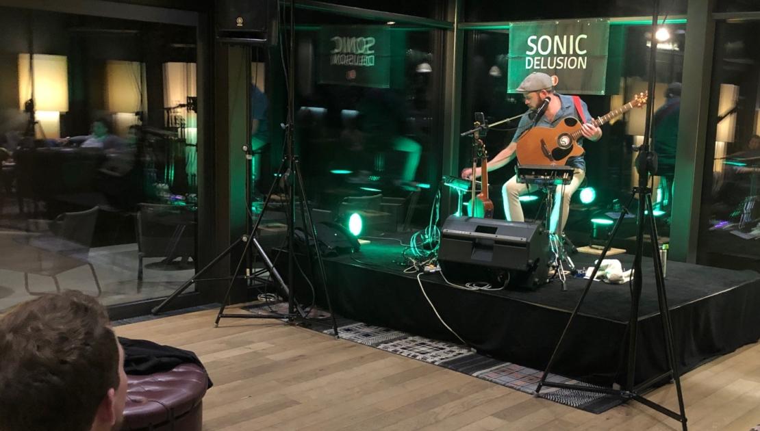 Sonic Delusion in concert auf der 2nd Friday Bühne